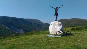 """Pedalando in e-bike nel """"Balcone delle Marche"""""""
