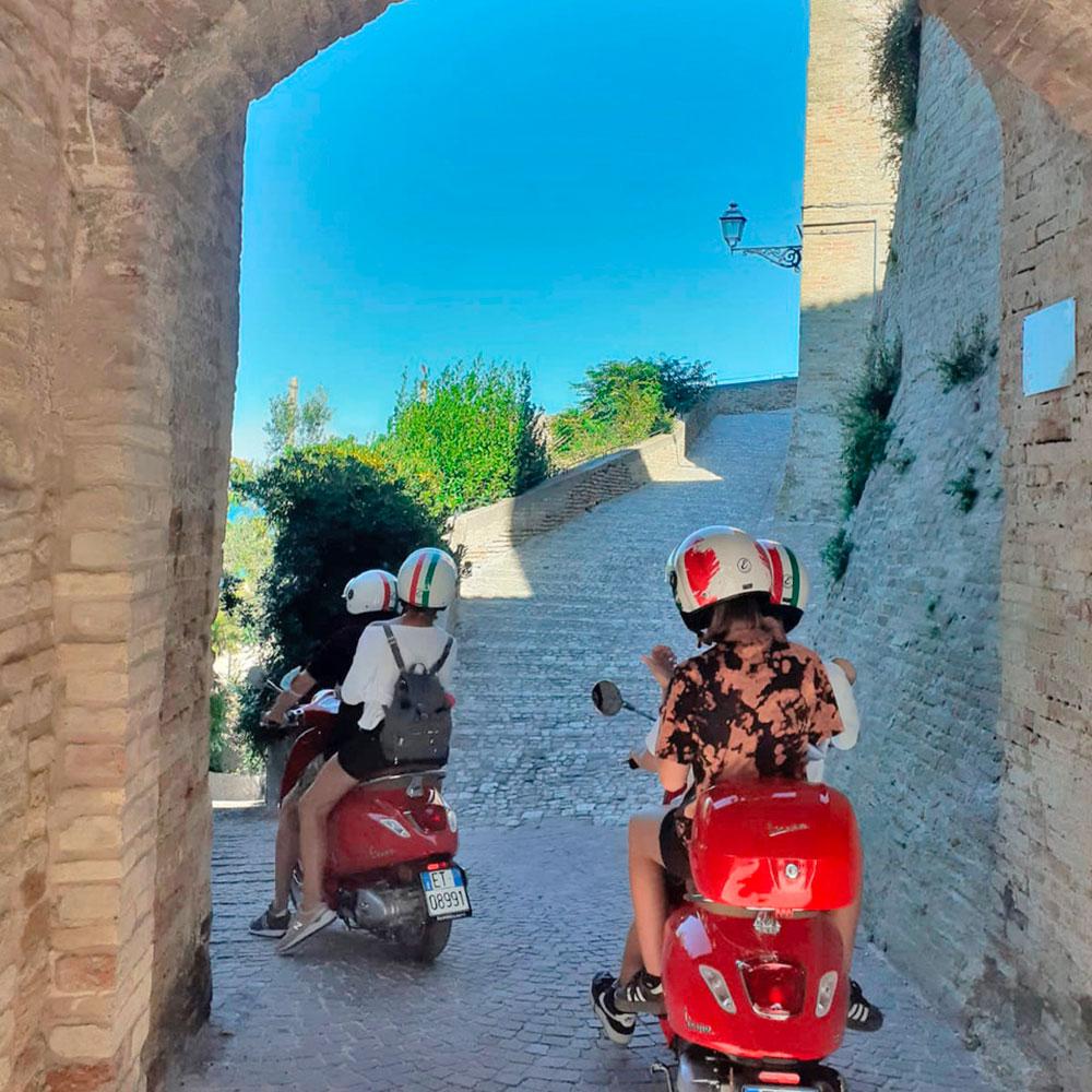 Tour in vespa - Tour delle Marche 2021 - Marchetour.it